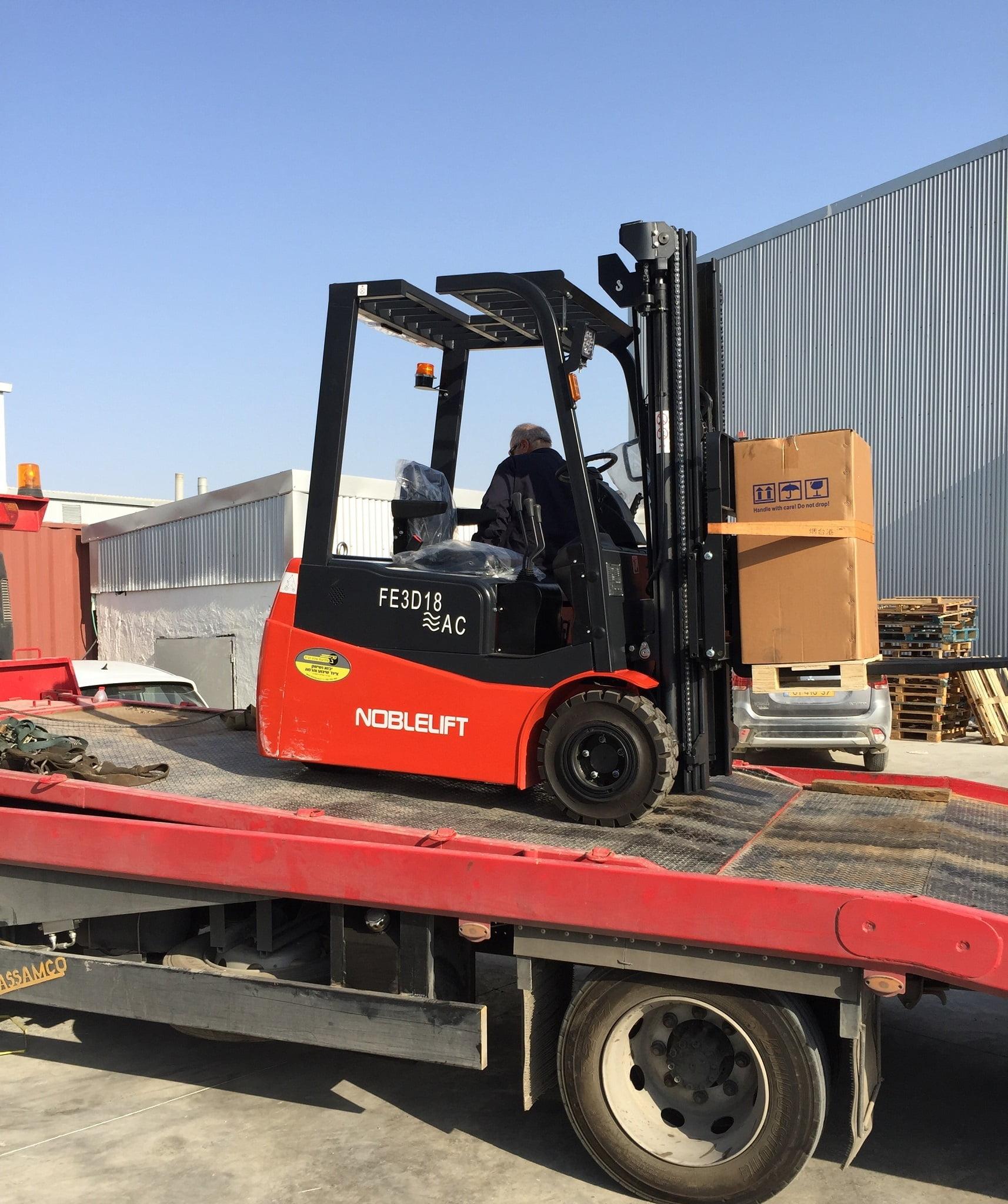 מלגזה חשמלית 1.8 טון למפעל בדרום 1 - אספקת מלגזה חשמלית שלש גלגלים למשקל של 1.8 טון