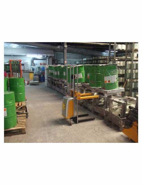 הספקת מלגזון חצי חשמלי למפעל להרמת חביות