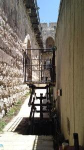 התקנת במת הרמה מוזאון מגדל דוד