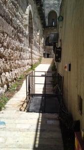 התקנת במת הרמה מוזאון מגדל דוד ירושלים 2