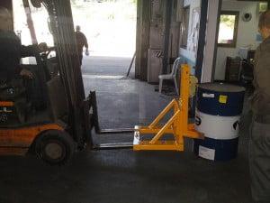 מתקן לשינוע חביות במלגזה GR100 2