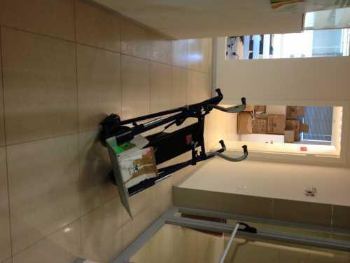 עגלת מדרגות חשמלית 300 קג הספקה ללקוח