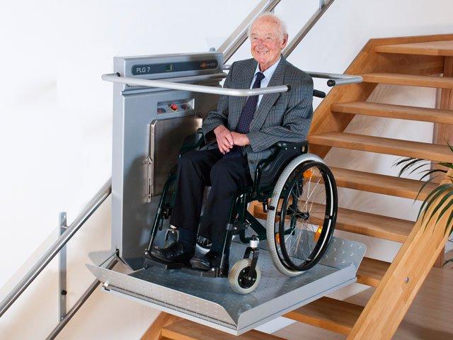 מעלון מדרגות לנכים לכל מדרגות