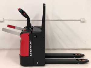 productos stock871 2 300x225 - עגלות משטחים חשמליות מפעיל רוכב דגם-PT20NG